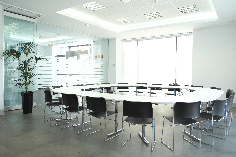 Allquiler salas reuniones en madrid torreombu torreomb for Sala de reuniones