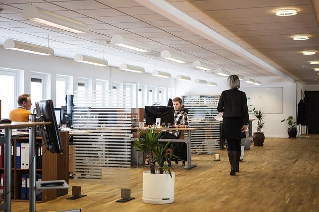 La importancia de la luz natural en las áreas de trabajo