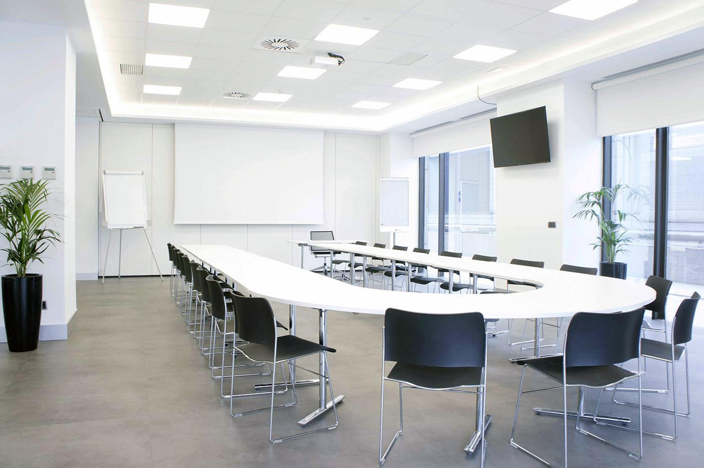 ¿Cómo ha de ser la sala de reuniones para causar una buena impresión?
