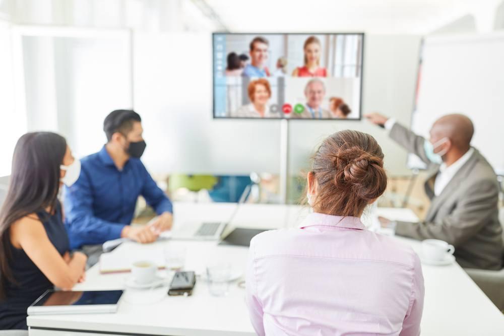 Cómo organizar una reunión de empresa presencial pero segura para todos