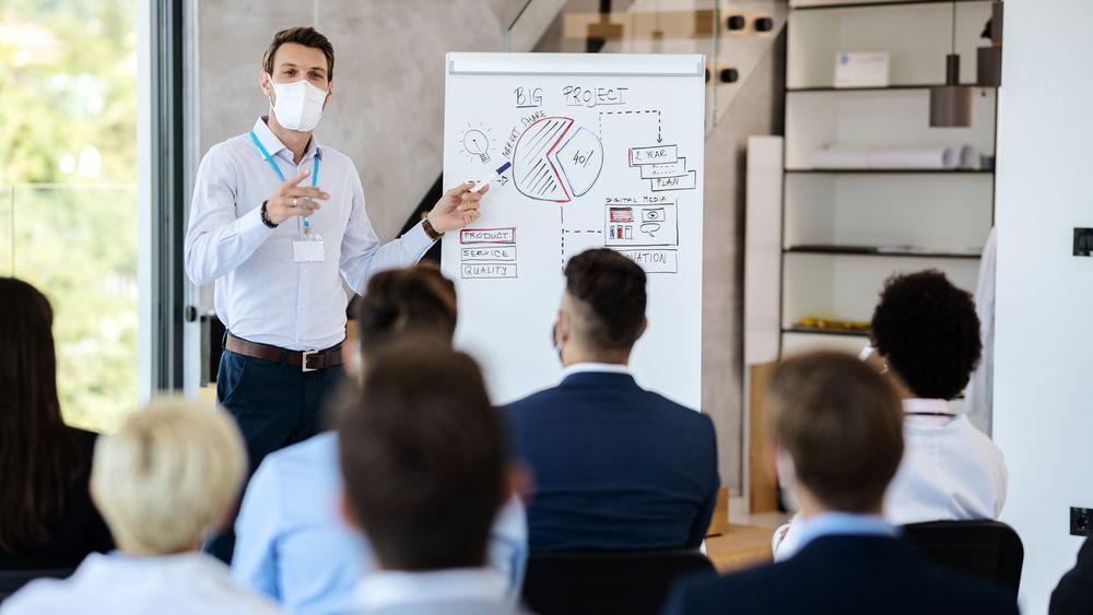 Cómo elegir la sala de reuniones que más se adapte a tus necesidades